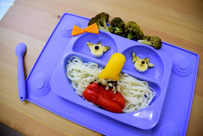 easymat餐盤防拔嬰兒餐具吸盤嬰兒餐具推薦嬰兒副食品餐具推薦EasyMat防滑矽膠餐盤 (11)