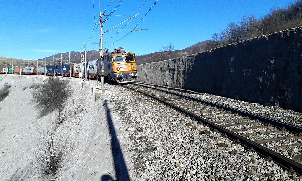 Train Hungary Magánvasút - Page 5 25402144558_e2ec4b7bc1_b
