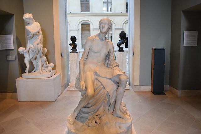 ルーブル美術館の裸のお爺さん