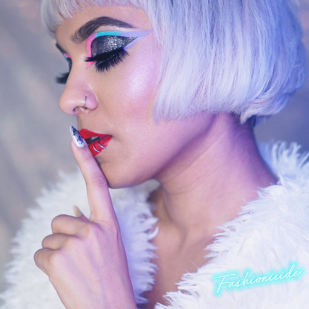 Jeffree Star Breakfast at Tiffany's Graphic Liner Blow Pony