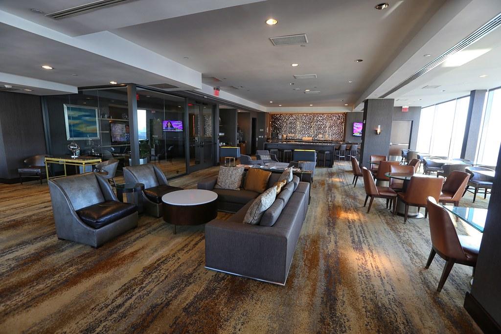 Hilton Americas Executive Lounge 10