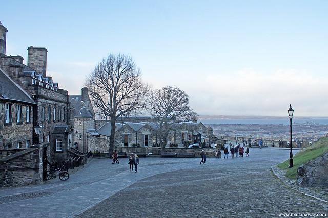 Castello di Edimburgo (Governor's House sulla sinistra)