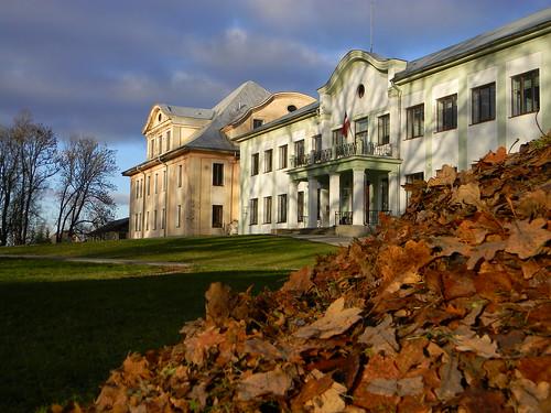 autumn malnava latvia manor muiža latgale fragrance leaves
