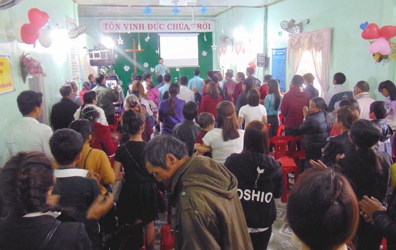 Hội Thánh Lâm Đồng - GIáng sinh có khoảng 70 người tham dự (1)