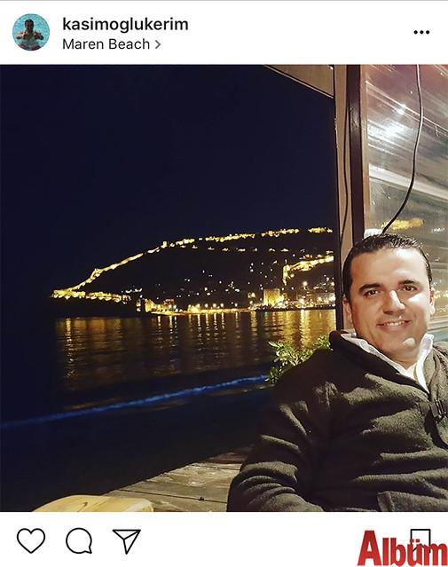 Kasımoğlu Kerim Yılmaz Maren Beach'te Alanya manzarası eşliğinde günün yorgunluğunu attı.
