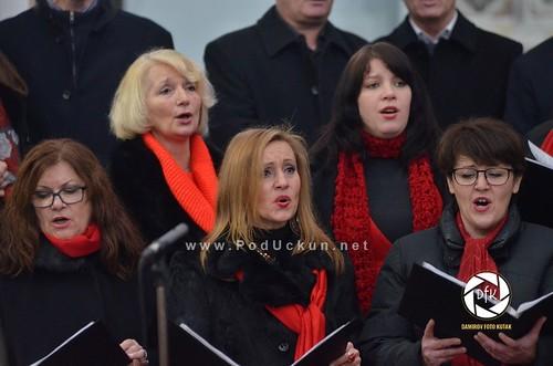 """Ženski zbor KUD-a """"Učka"""" Matulji u crkvi Sv. Jelene Križarice održao koncert 'Božićna oda zavičaju'"""