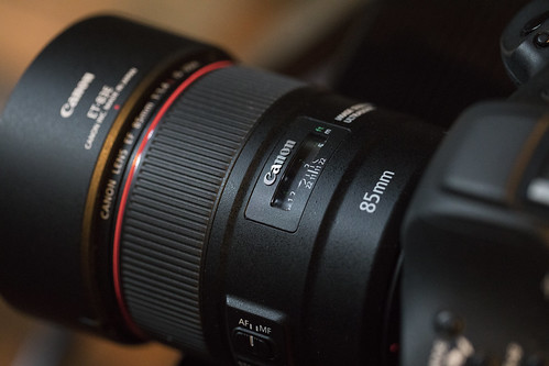 EF85mm F1.4L IS USM_01