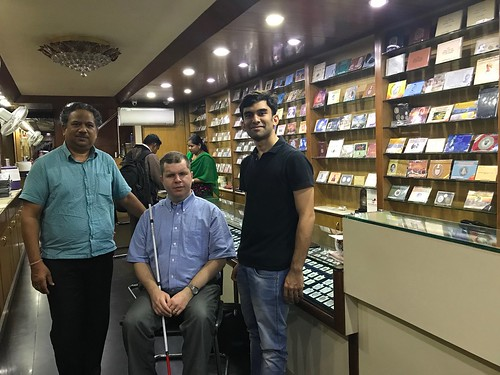 Tom Babinszki in India coin shop