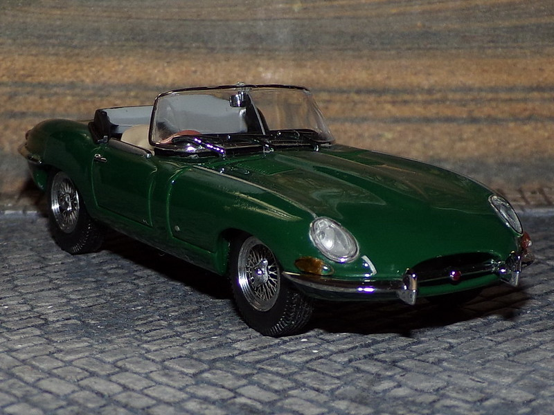 Jaguar E-Type Cabrio - 1961 - Kyosho