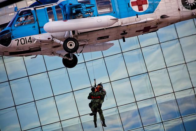 國防部直升機落地操演
