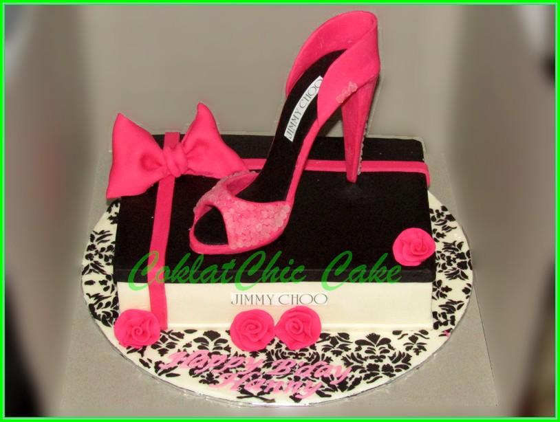 Cake Branded Shoe HANNY 15x22cm
