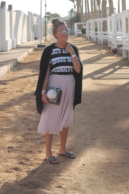 midi-skirt-whole-look-wiebkembg