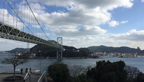 壇ノ浦PAから見た関門橋
