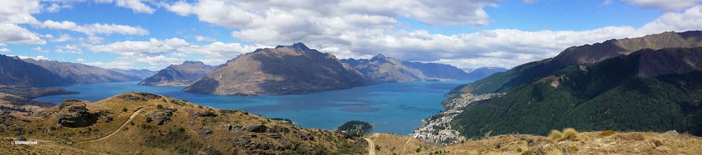 Panoraamakuva Queenstown Hilliltä aukeavasta maisemasta, Uusi-Seelanti