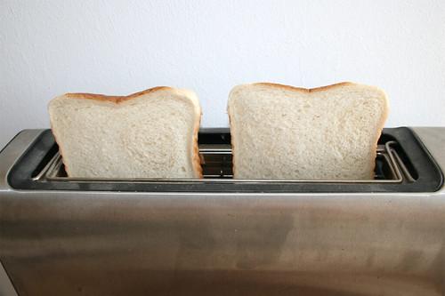 63 - Weißbrot toasten / Toast bread