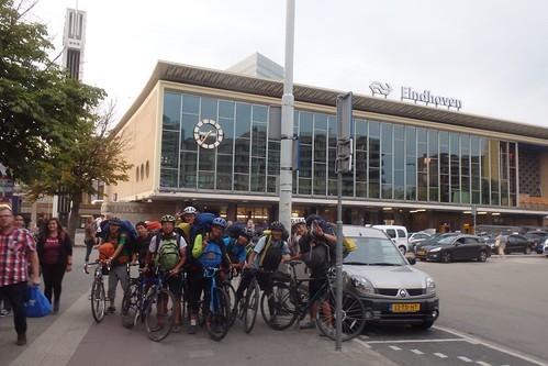 アイントホーフェン駅にて オランダ入国