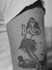 hula-girl-tattoo-wwii