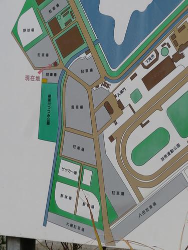 金沢競馬場周辺の湖南運動公園の駐車場