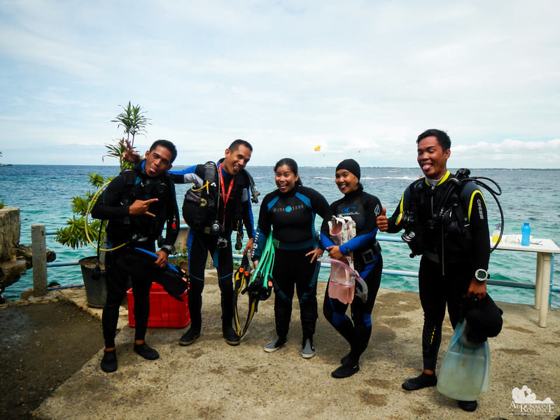 scuba_diving_friends