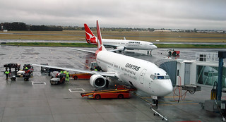 Qantas Airways - Boeing 737 airplane (24 August 2006) (Adelaide Airport, South Australia) 1