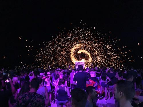 サムイ島 1月5日の夜のチャウエンビーチ Ark Bar →Nakadia @ Cha Cha Moon