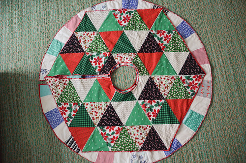 Two Xmas Tree Skirt Quilts: Hexagon/Triangle and Circular/Wedge
