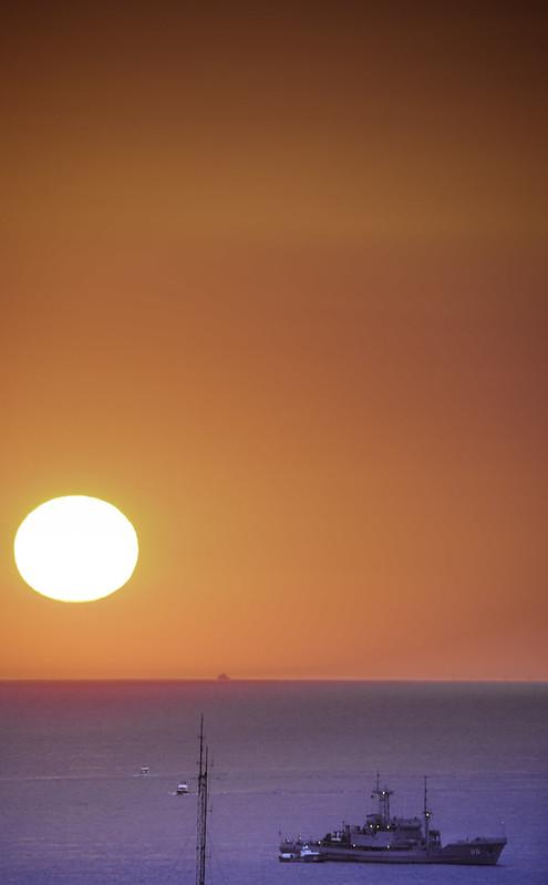Barco Armada No. 26 en Playa Mansa | 180104-1755-jikatu