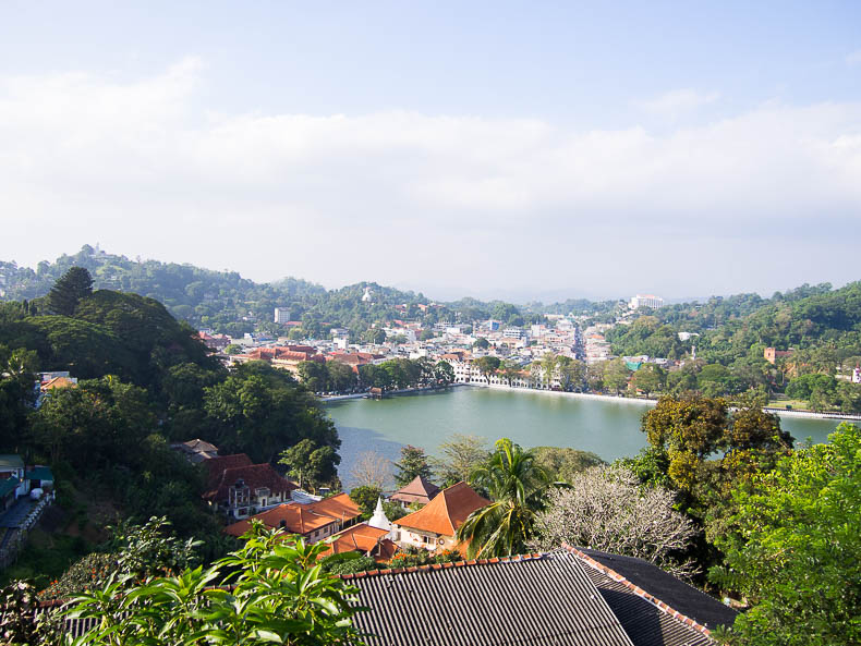 kandy-lake-sri-lanka
