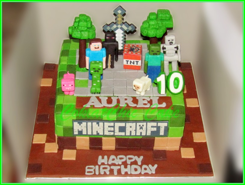Cake Minecraft AUREL 22cm