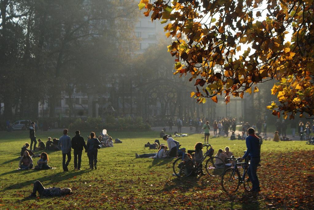 L'entrée du parc de la Tête d'or à Lyon en automne.