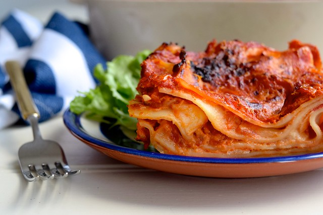 How To Make A (Veggie) Stupidly Simple Lasagna #lasagna #meatfreemonday #vegetarian