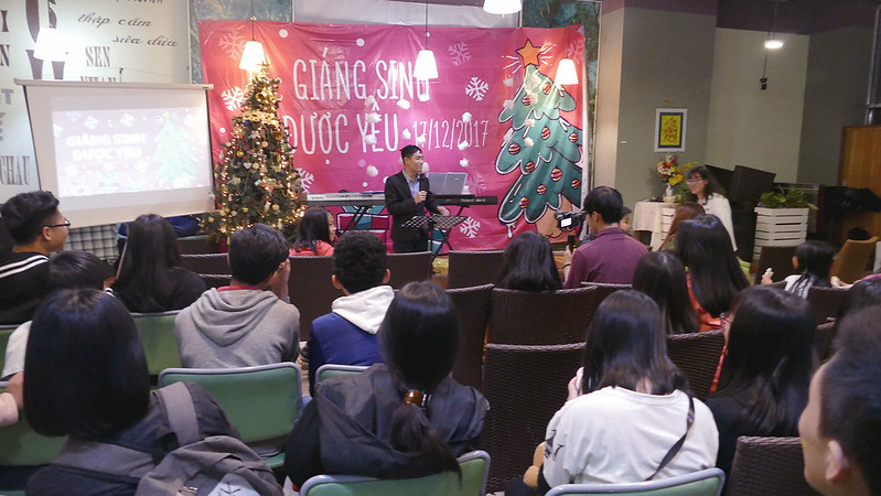 Hội Thánh Hà Nội truyền giảng Giáng Sinh thiêu niên có hơn 70 bạn tham dự