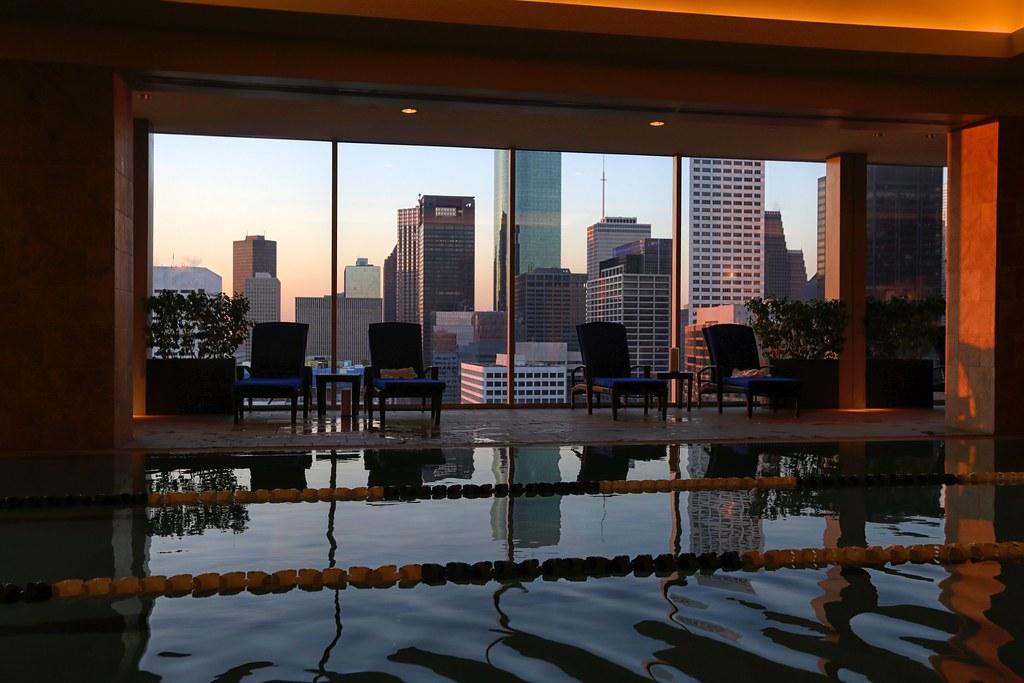 Hilton Americas-Houston Pool and Gym 21