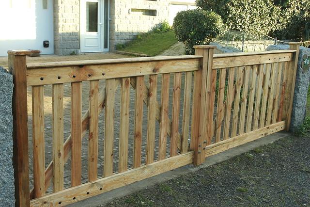 Pallet Wood Driveway Gates