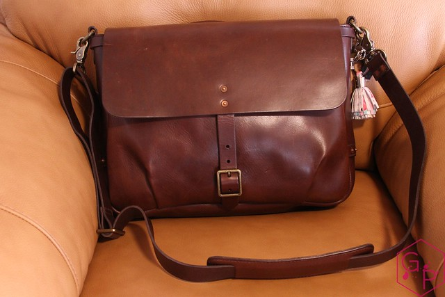 Review @SatchelandPage Brown Leather Slim Mailbag 9