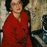 Gonul Abdula, piano