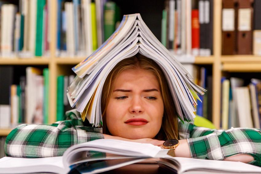 Opiskeluvinkkejä vinkkejä opiskeluun lukioon kirjoituksiin koeviikolle kokeisiin lukemiseen studying student-2458
