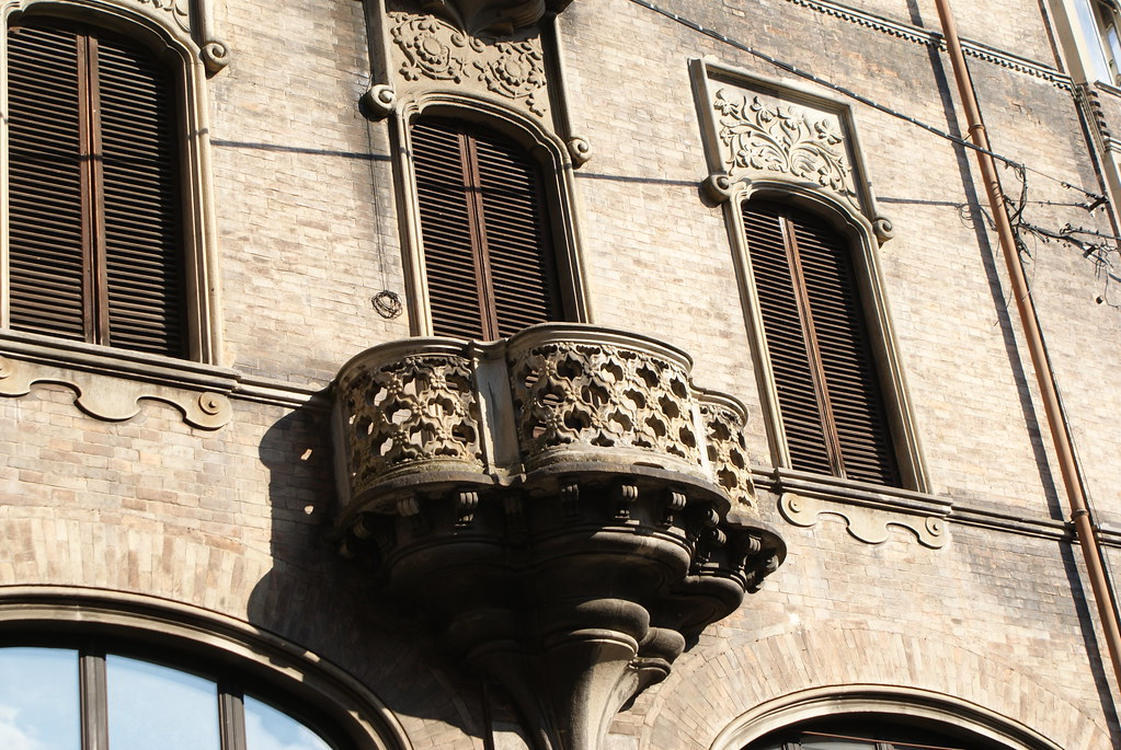 Balcon somptueux à Turin.
