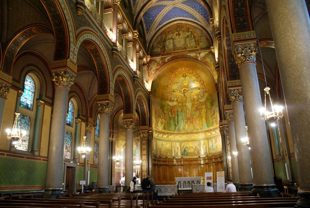 >Nef de la Chapelle des soeurs de Saint Joseph à Lyon.
