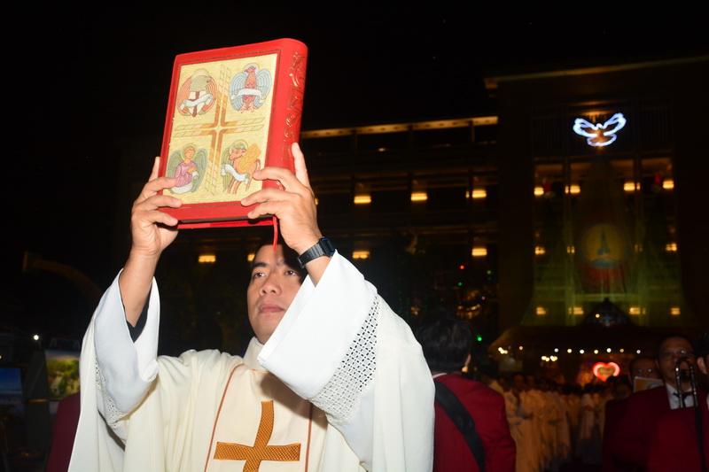 Thánh Lễ Truyền Chức Linh Mục Giáo Phận Qui Nhơn - Ảnh minh hoạ 7