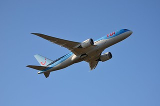 TUI Airways, 787-800, G-TUIC | by andy 759