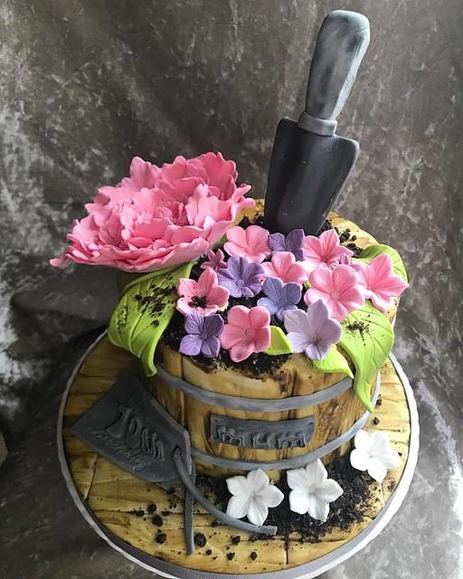 Gardening Plant Pot Cake by Bakemiacupcake