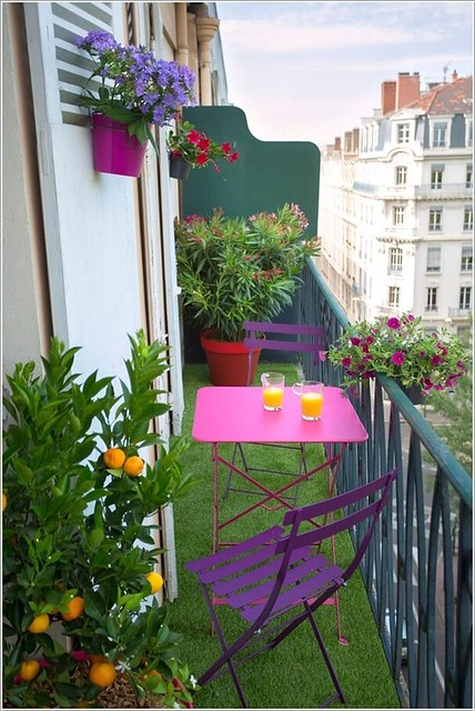 10 Fun Ways to Decorate a Tiny Balcony
