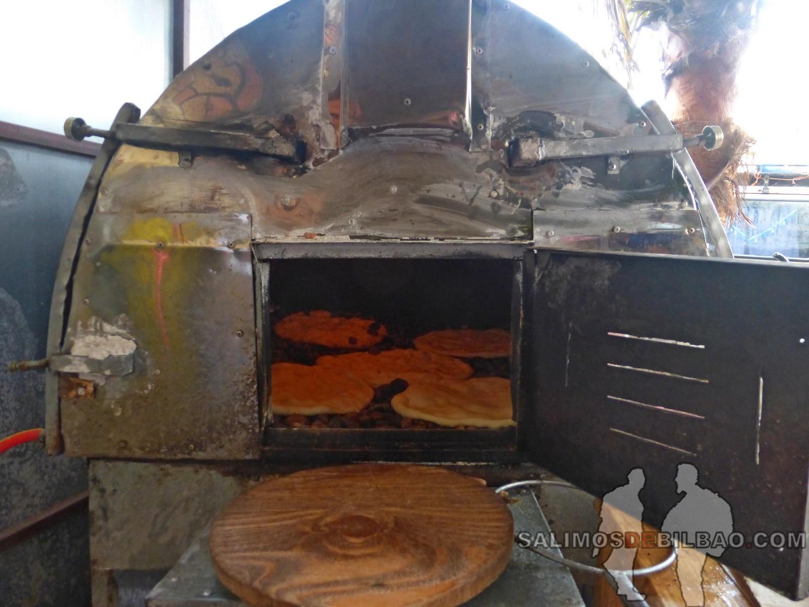 185. Torta de pan al horno de piedras, Dakhla