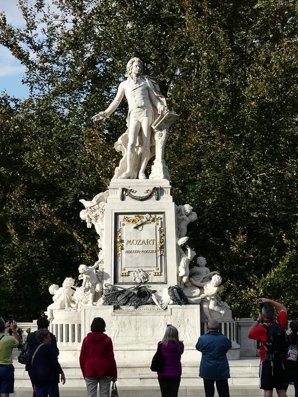 Mozartdenkmal, Wien