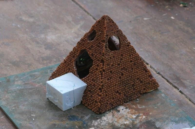 [Décors Aquarium] Une pyramide 25694189568_edd7a46513_c