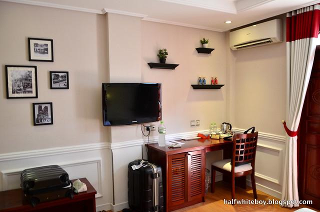 halfwhiteboy - la beaute de hanoi hotel vietnam 09