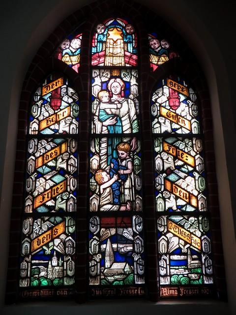 Honneur à la mère, église-halle gothique (XIVe-XVe) St Johannis, Lunebourg,  Basse-Saxe, République Fédérale d'Allemagne.