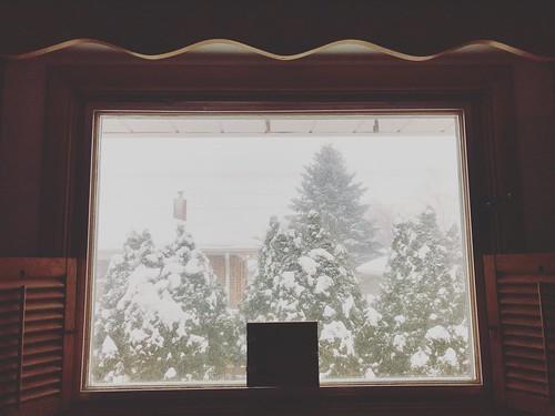 I'm dreaming of a white Christmas 🎄 #snowfall #merrychristmas #homesweethome