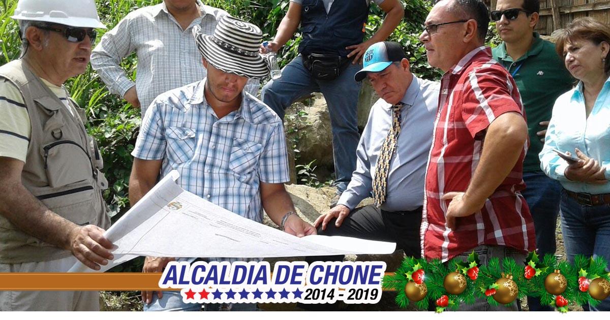 Ministerios conocen necesidad de construir vía Puerto Arturo en Chone